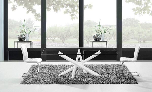 Mesa de comedor con tapa de cristal